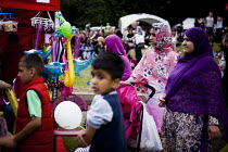 16-07-2016 - Locals enjoying the annual Sharrow Festival. Sheffield, South Yorkshire © Connor Matheson