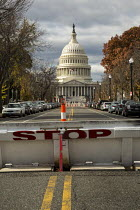 26-11-2016 - Washington, USA Security barrier on East Capitol Street near the US Capitol building © Jim West