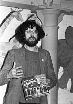 07-12-1980 - Piers Corbyn, brother of Jeremy Corbyn and one of the leaders of the movement at the book launch of Squatting - The Real Story, London © NLA