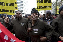 16-12-2016 - RMT cleaners protest outside GWR HQ, Swindon. They are on strike over serious bullying, claims of discrimination, poor working conditions and low pay on the Great Western Railway (GWR) train cleaning... © John Harris
