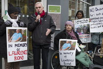 25-01-2017 - John McDonnell speaking Vigil for Lawrence Bond, who died after being found fit for work and losing his disability benefits, Kentish Town Jobcentre London © Philip Wolmuth