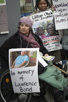 25-01-2017 - Clare Glasman. Vigil for Lawrence Bond, who died after being found fit for work and losing his disability benefits, Kentish Town Jobcentre London. © Philip Wolmuth