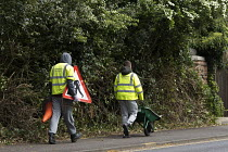 26-04-2017 - Community Payback, youth being punished by doing unpaid work cutting back roadside hedges and trees, Warwickshire © John Harris