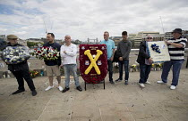 24-06-2017 - Unite Against Extremism, Football Lads Alliance march to lay club wreaths at London Bridge, the site of a terror attack. © Jess Hurd