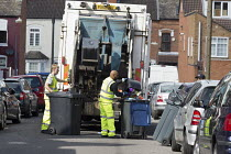 17-09-2017 - Bin workers strike. Refuse collection by contractors, Sparkbrook, Birmingham. Strike is costing 40,000 pounds a day. The Labour council have issued redundancies to 113 binmen © John Harris
