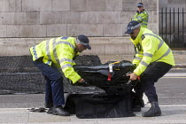 02-10-2017 - London Police Officers laying out a Talon spiked net outside Parliament to prevent vehicle terror attacks against crowds attending major events. The nets are capable of stopping lorries weighing up to... © Stefano Cagnoni
