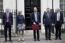 22-11-2017 - Philip Hammond leaving 11 Downing Street with his Red Box, 2017 Budget Day, Westminster, London. Treasury team (L to R) Stephen Barclay, Elizabeth Truss, Philip Hammond, Mel Stride, Andrew Jones © Jess Hurd