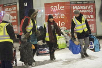 01-03-2018 - Feed The Homeless charity Bristol, providing hot food, blankets and clothing to homeless on the snow covered streets © Paul Box