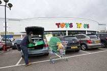 17-03-2018 - Closing down Toys R Us store, Coventry © John Harris