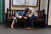 18-04-2018 - Tired couple, St James Park underground station around 9pm on a weekday © Stefano Cagnoni