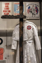 24-04-2018 - Jackson, Mississippi, USA: The Mississippi Civil Rights Museum. A Ku Klux Klan robe and burned cross. History of the American Civil Rights Movement in the state of Mississippi between 1945 and 1970 © Jim West
