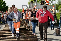 23-04-2018 - Nouvelle Aquitaine, France. Strike by SNCF railway workers removingrailway line to block a road © Patrick Allard