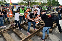 23-04-2018 - Nouvelle Aquitaine, France. Strike by SNCF railway workers, pickets removing railway line to block a road © Patrick Allard