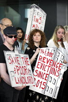 13-09-2018 - Newly formed London Renters Union ironic protest at the Resident Future Renting Landlords Association conference with violins and a spoof cheque. The conference discussed what they describe as the inc... © Jess Hurd