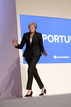 03-10-2018 - Theresa May dancing her way onto the stage. Theresa May speaking Conservative Party Conference, Birmingham, 2018 © Jess Hurd
