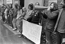 15-06-1979 - Squatters defending their right to picket at a building site. © NLA