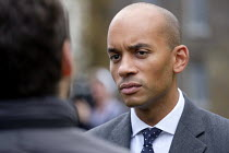 15-11-2018 - Chuka Umunna MP being interviewed, College Green, Westminster, London, on the day of four ministerial resignations over Brexit deal. © Philip Wolmuth