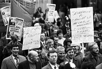 26-11-1975 - Liverpool Dockers Right To Work march, London, 1975 © Chris Davies