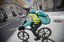 09-03-2019 - UK UNITY ORG Yellow Vest Deliveroo worker protesting in Westminster, London © Jess Hurd