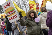 09-03-2019 - Ypsilanti, Michigan USA: Coalition of Immokalee Workers protest at a Wendy's fast food restaurant, asking the company to pay more for the Florida tomatoes to improve wages for Florida farmworkers, who... © Jim West