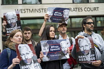 30-05-2019 - Protest at Julian Assange hearing on the US extradition request, Westminster Magistrates Court, London. The indictment has been condemned by free press organisations as criminalising journalism © Jess Hurd