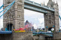 03-06-2019 - Global Justice Now Dump Trump's Trade Deal banner drop, Tower Bridge, London as his state visit begins. A free trade deal between the USA and the UK is likely to include all the elements of the earlie... © Jess Hurd