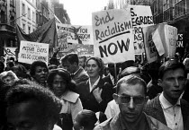 09-03-1963 - Solidarity with American Civil Rights Movement protest, 1963, Notting Hill, London. Jim Crow must go © Romano Cagnoni