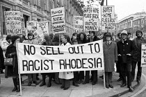 25-11-1971 - Protest against UK negotiations with Rhodesia, Whitehall, London 1971 © NLA