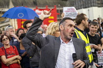28-08-2019 - Paul Mason speaking Defend democracy, resist the Parliament Shutdown protest as the Queen agrees to suspend Parliament at Boris Johnsons request, College Green, Westminster, London. © Jess Hurd