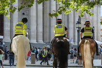 13-08-2019 - Mounted City of London police on a training exercise, St Paul's Cathedral, London © Philip Wolmuth