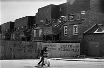 15-05-1979 - Homeless occupying new houses, London 1979 in protest at the sale of council houses © Martin Mayer