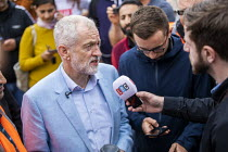 28-09-2019 - Interviewed by LBC, Big Canvass with Jeremy Corbyn and Faiza Shaheen, PPC, Chingford and Woodford Green, Iain Duncan Smith constituency. London. © Jess Hurd