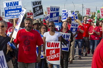 25-09-2019 - Detroit, Michigan, USA: Striking UAW workers picketing the GM Detroit-Hamtramck Assembly Plant. It is one of those that GM says it will close. The main issues in the strike include plant closures, low... © Jim West