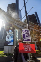 09-10-2019 - Detroit, Michigan USA: UAW picketing GM headquarters in the fourth week of their strike against GM. The strike's main issues include plant closings, wages, the two tier pay structure, temporary worker... © Jim West