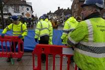 15-11-2019 - Enviroment Agency fitting barriers to flood defenses, Stratford upon Avon, Warwickshire © John Harris