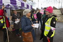 26-11-2019 - UCU strike for pensions and pay, Coventry University, picket talking with a lecturer © John Harris