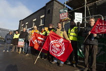 30-11-2019 - RMT Guards on strike to keep the guard on the train, Worcester SWR Railway Station. Southern are to abolish guards and introduce Driver Only Operated trains. Solidarity from FBU © John Harris