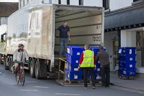 20-04-2020 - Workers loading contents of closed Debenhams store onto lorries, Stratford Upon Avon, Warwickshire © John Harris