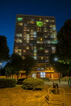 14-06-2020 - Grenfell fire 3nd anniversary, Gayton House tower block, E3 goes Green for Grenfell, East London. © Jess Hurd