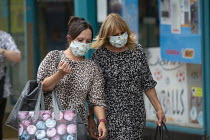 24-07-2020 - Mask up Friday, Shoppers wearing masks in the street, Stratford Upon Avon © John Harris