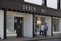 11-08-2020 - Closed Debenhams, sign has missing letters, Stratford Upon Avon, Warwickshire. Debenhams announces a further 2.500 jobs are to go © John Harris