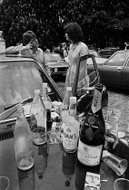 04-06-1977 - Eton College, Berkshire, 1977 Pimms, Moet and Marlborough, the essential ingredients for a perfect 4th June celebration to mark the birthday of King George III © Martin Mayer