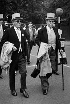 20-06-1972 - Royal Ascot races 1972 men in top hats, morning dress arriving at Ascot racecourse, Berkshire © Peter Arkell