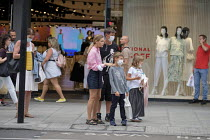 18-08-2020 - Shoppers, Oxford Street, London. Easing of Covid-19 lockdown restrictions © Philip Wolmuth