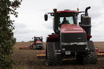 07-09-2020 - Tracked tractor Case IH Quadtrac 600 ploughing, Warwickshire © John Harris