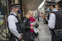 11-11-2020 - Police at Spycops Protest, Undercover Policing Inquiry, Amba Hotel where proceedings will be live streamed, Central London © Jess Hurd