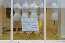 18-11-2020 - Closed sign, Age Concern charity shop with mannequins in the window, Stratford-upon-Avon © John Harris
