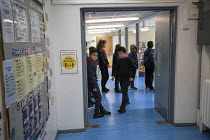 27-11-2020 - Pupils in the corridor, Lansbury Lawrence Primary School during Covid pandemic lockdown, Poplar, East London. © Jess Hurd