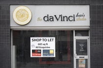 06-01-2021 - Closed Da Vinci hair studio Bristol, shop to let sign, Bristol © Paul Box