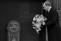 22-11-1986 - Neil Kinnock laying a wreath, PC Keith Blakelock memorial 1986 He lost his life protecting firemen during the riots at the Broadwater Farm estate in Tottenahm, London. © Peter Arkell